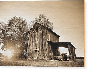 Tobacco Barn In Sunset Wood Print