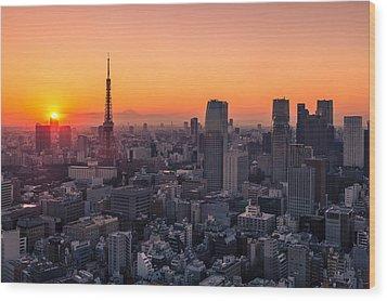 Tokyo 10 Wood Print by Tom Uhlenberg