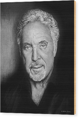 Tom Jones The Voice Bw Wood Print by Andrew Read
