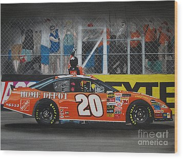 Tony Stewart Climbs For The Checkered Flag Wood Print by Paul Kuras