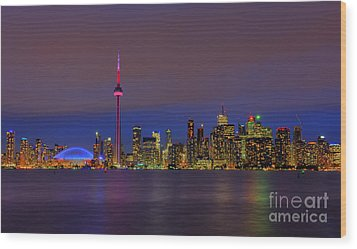 Toronto By Night... Wood Print by Nina Stavlund