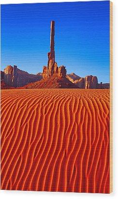 Totem Pole II Wood Print