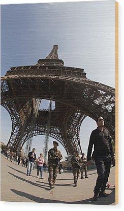 Tour Eiffel 3 Wood Print by Art Ferrier