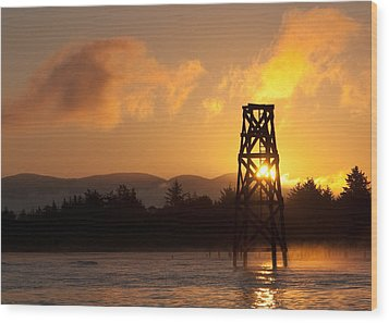 Wood Print featuring the photograph Tower At Dawn by Erin Kohlenberg