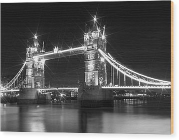 Tower Bridge By Night - Black And White Wood Print by Melanie Viola