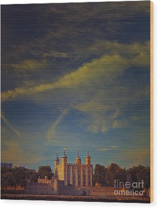 Tower Of London Wood Print by Paul Grand