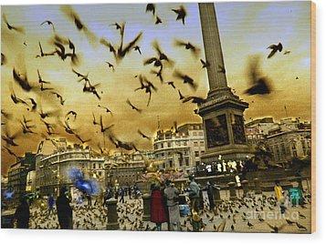 Trafalgar Square Wood Print by Jeff Breiman