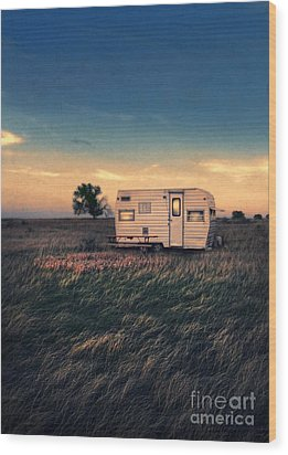 Trailer At Dusk Wood Print
