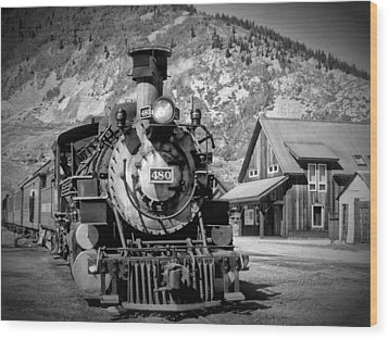 Train 480 Wood Print