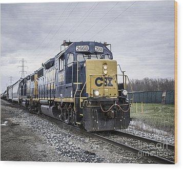Train Engine 2668 Wood Print