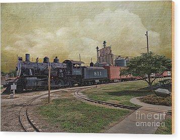 Train - Engine Wood Print by Liane Wright