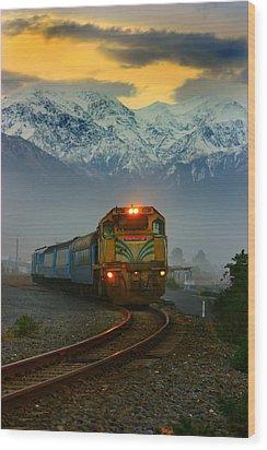 Train In New Zealand Wood Print