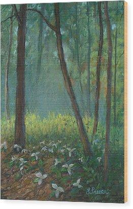 Trillium Trail Wood Print by Linda Preece