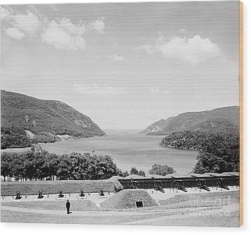 Trophy Point North Fro West Point In Black And White Wood Print