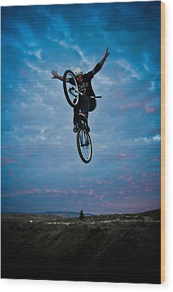 Tuck No Hander Wood Print by Joel Loftus