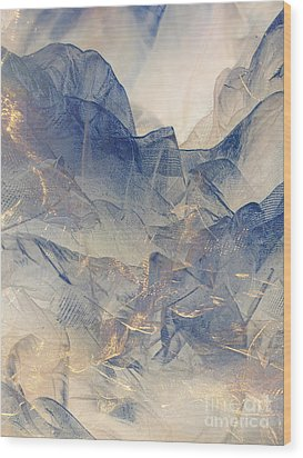 Tulle Mountains Wood Print