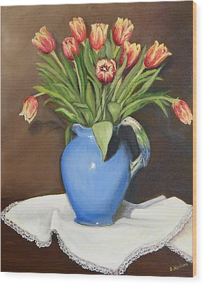 Tullips In Parrot Pitcher Wood Print by Sandra Nardone