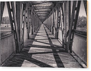 Tulsa Pedestrian Bridge In Black And White Wood Print