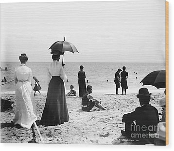 Turn Of The Century Palm Beach Wood Print by LOC Science Source