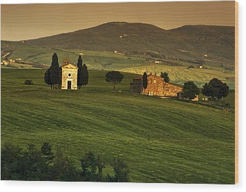 Tuscan Chapel And Farm Wood Print by Andrew Soundarajan