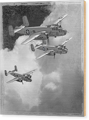 Tuskegee Airman...616th Bombardment Group Wood Print by Larry McManus