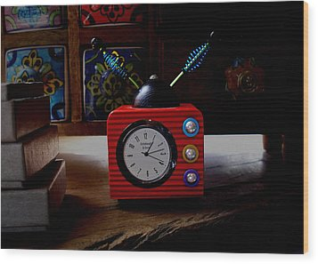 Tv Clock Wood Print