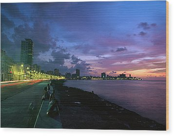Twilight View Of Young Cubans Sitting Wood Print by Steve Winter