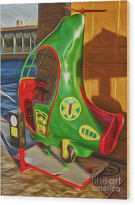 Twirly Bird - Red And Green Wood Print by Gregory Dyer