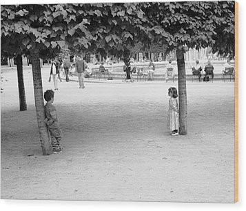 Two Kids In Paris Wood Print by Dave Beckerman