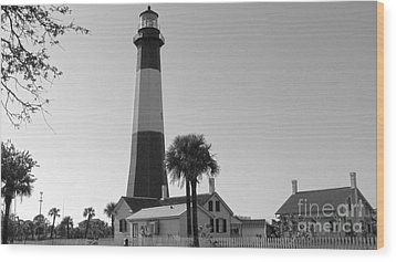 Tybee Lighthouse 1 Wood Print by D Wallace