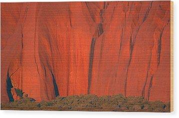 Uluru 2 Wood Print by Evelyn Tambour