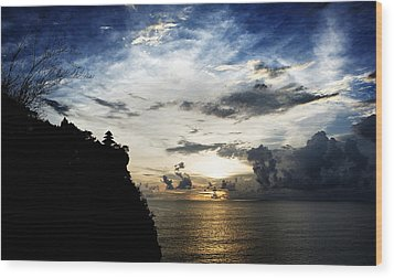 Wood Print featuring the photograph Uluwatu Temple by Yew Kwang