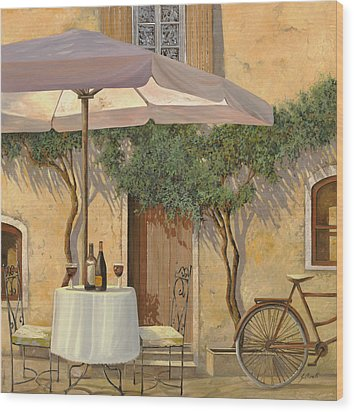 Un Ombra In Cortile Wood Print by Guido Borelli
