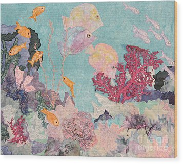 Underwater Splendor Wood Print by Denise Hoag