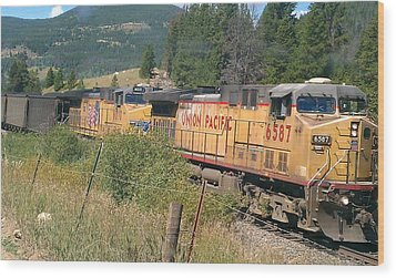 Wood Print featuring the photograph Union Pacific 6587 by Fortunate Findings Shirley Dickerson