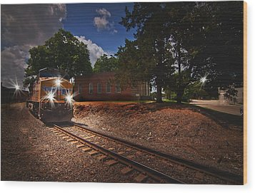 Union Pacific 7917 Train Wood Print by Linda Unger