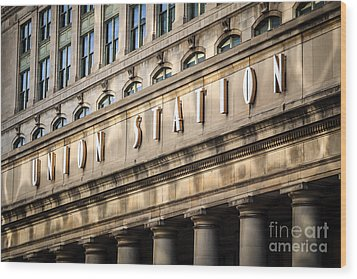 Union Station Chicago Sign And Building Wood Print by Paul Velgos