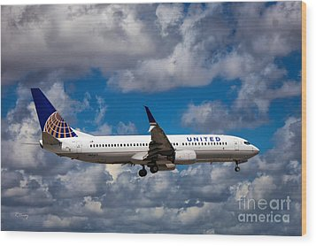 United Airlines Boeing 737 Ng Wood Print