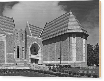 University Of Notre Dame De Bartolo Performing Arts Center Wood Print by University Icons