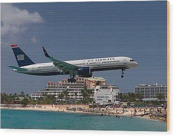 U S Airways At St Maarten Wood Print by David Gleeson