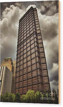 Us Steel Building Pittsburgh Hdr Wood Print by Amy Cicconi