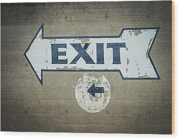 Usa, Mississippi, Exit Sign In Great Wood Print by Dosfotos