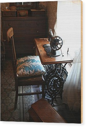 Usa Remembered  Preserving The Past Series Photography By Michele Bruce - Carter - Sewing Machine Wood Print