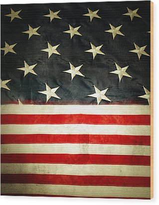 Usa Stars And Stripes Wood Print by Les Cunliffe