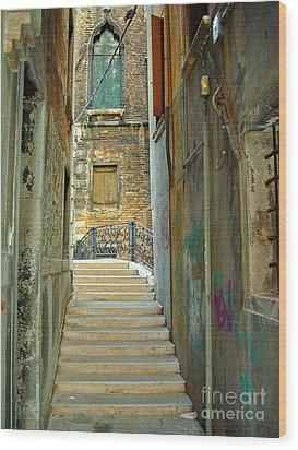 Venetian City Of Bridges Wood Print