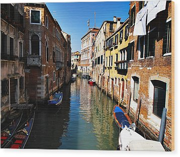 Venice Canal Wood Print by Bill Cannon