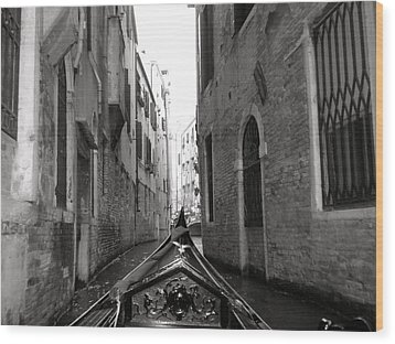 Venice Gondola Black And White Wood Print by Teresa Tilley