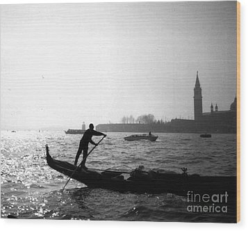 Venice Gondola Wood Print by Rita Brown