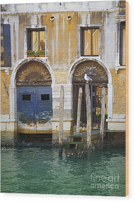 Venice Italy Double Boat Room Wood Print