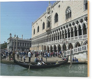 Venice Palazzo Ducale Wood Print by Ted Pollard